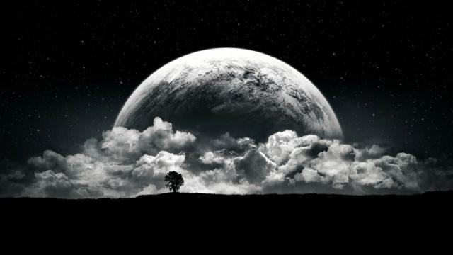 apunta a la luna